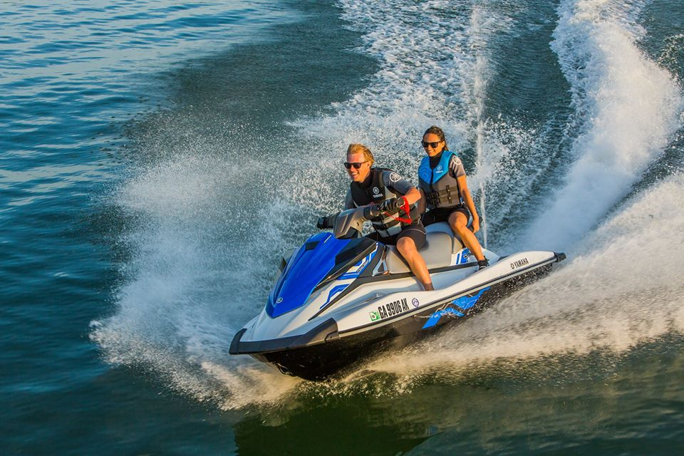 Locals Enjoy 25% Off All Tours at Gold Coast Watersports!